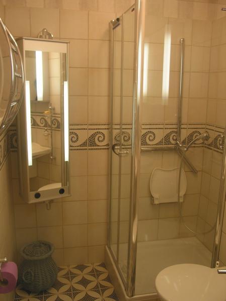 barrierefreie b der in berlin von der quint gmbh optimale badgestaltung. Black Bedroom Furniture Sets. Home Design Ideas